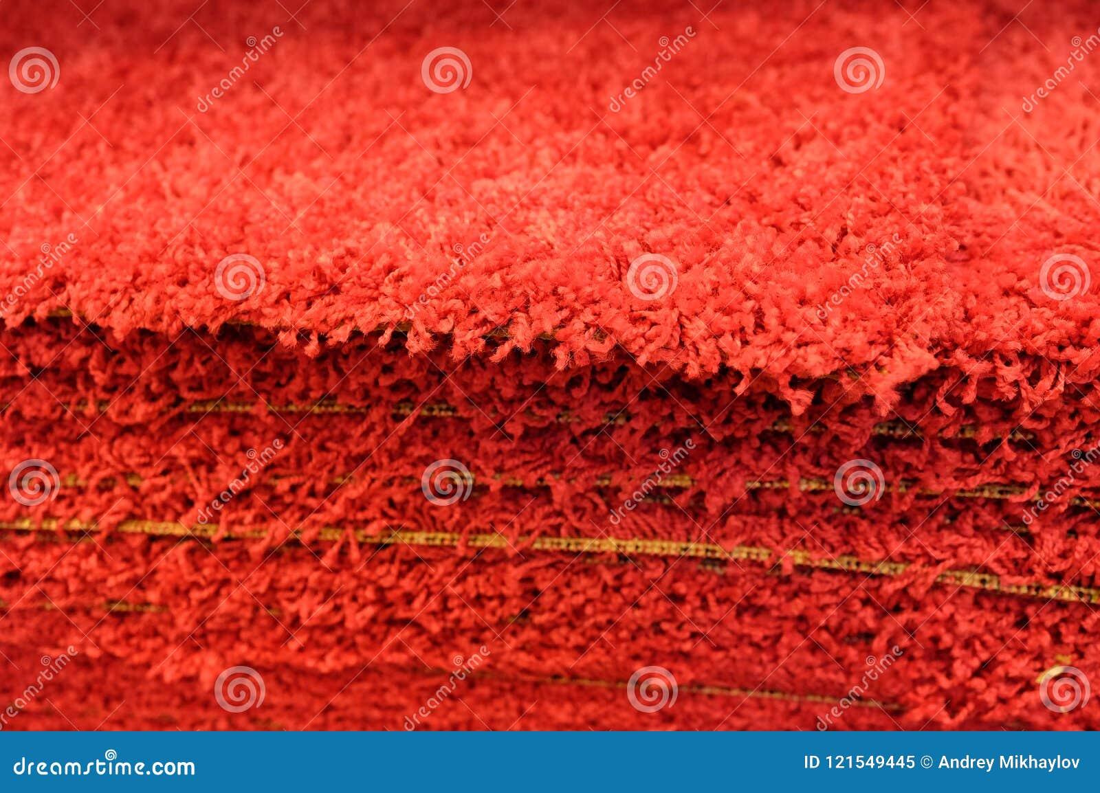 Tapis de bain gris de pile que les tapis de bain empilent, empilé sur l un l autre