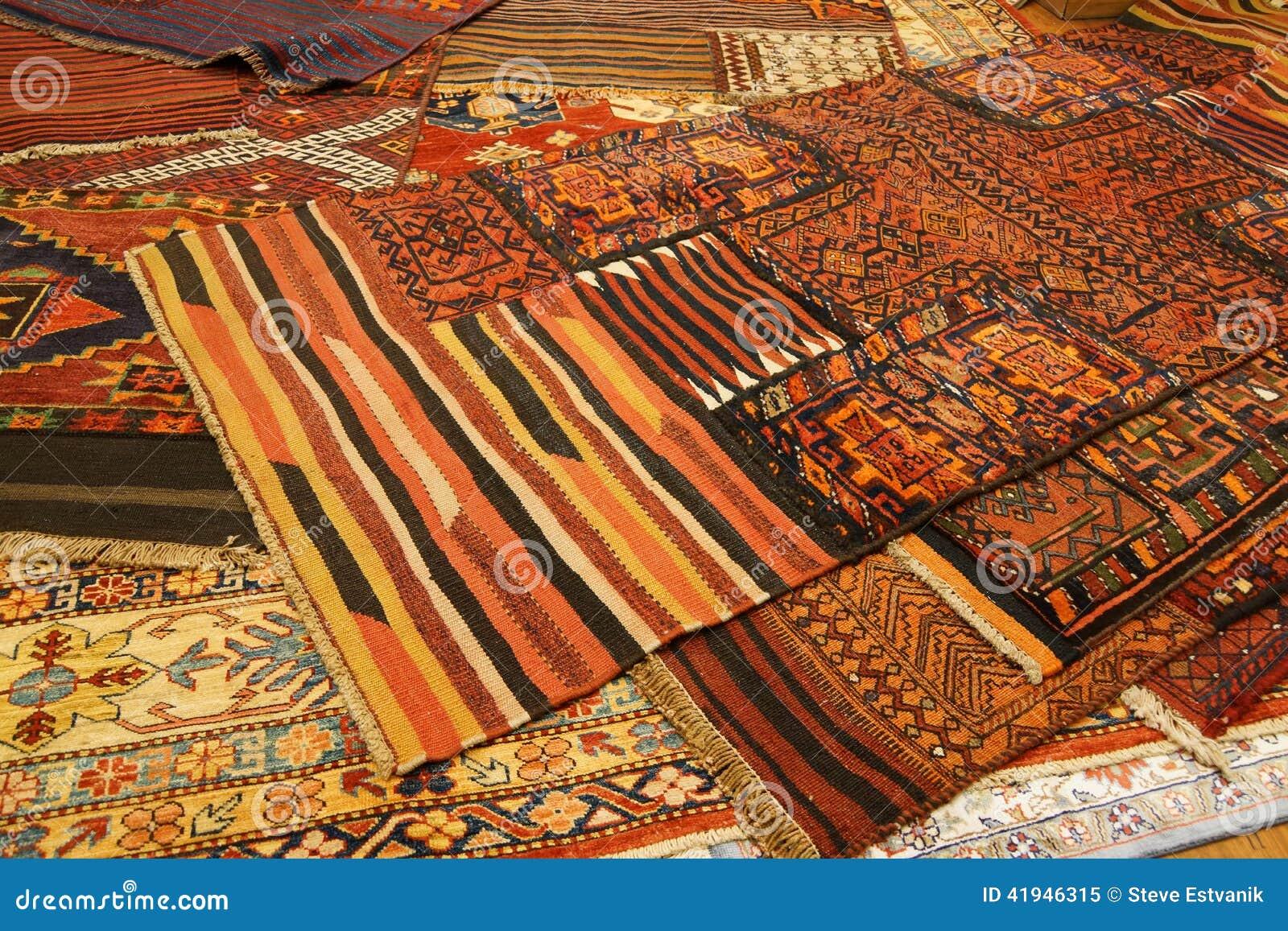 Tapis De Recouvrement Avec Les Mod Les Kurdes Complexes Photo Stock Image 41946315
