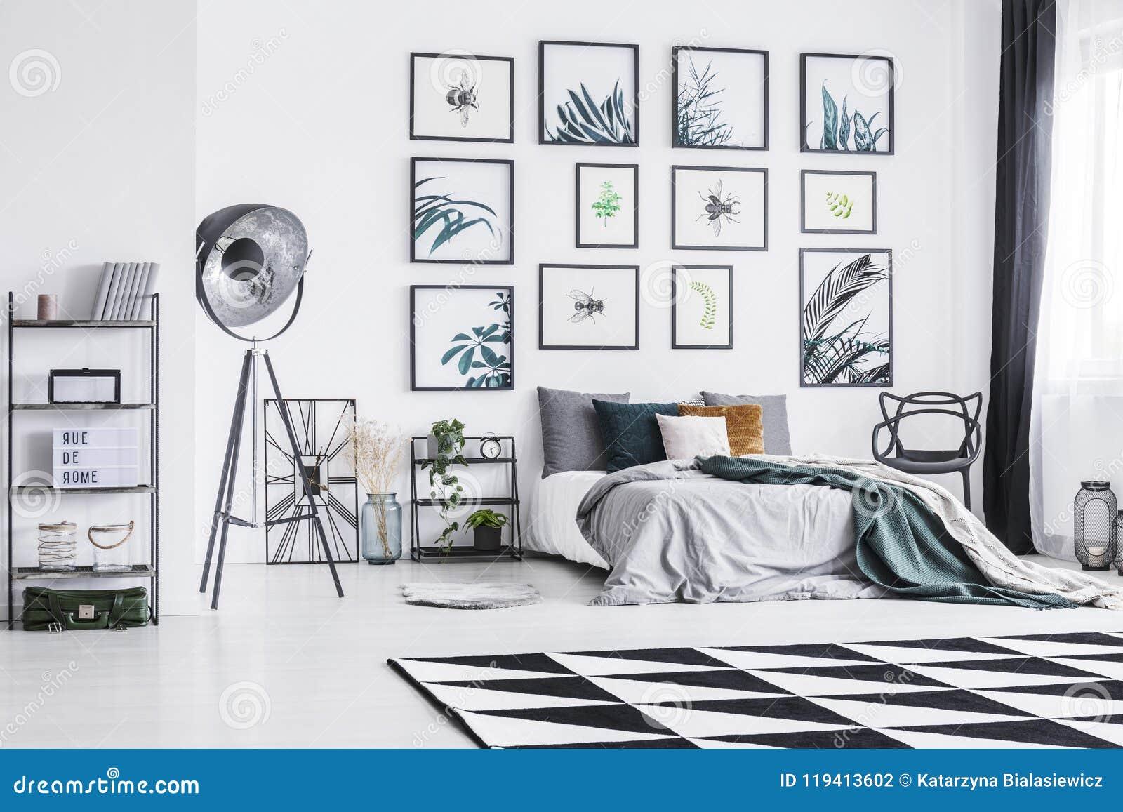 Tapis Noir Et Blanc Placé Sur Le Plancher Dans L Intérieur Lumineux De  Chambre à Coucher