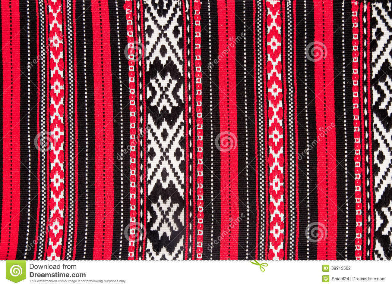 Tapis rouge traditionnel roumain