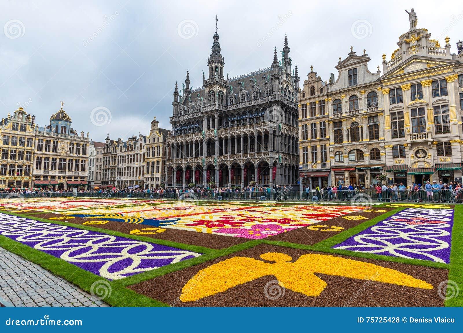 Tappeto Floreale Bruxelles : Festival di tappeto floreale sulla famosa piazza grand place