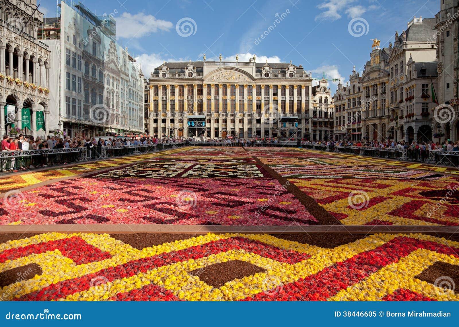 Tappeto Floreale Bruxelles : Bruxelles vi aspetta su un tappeto di fiori tgcom
