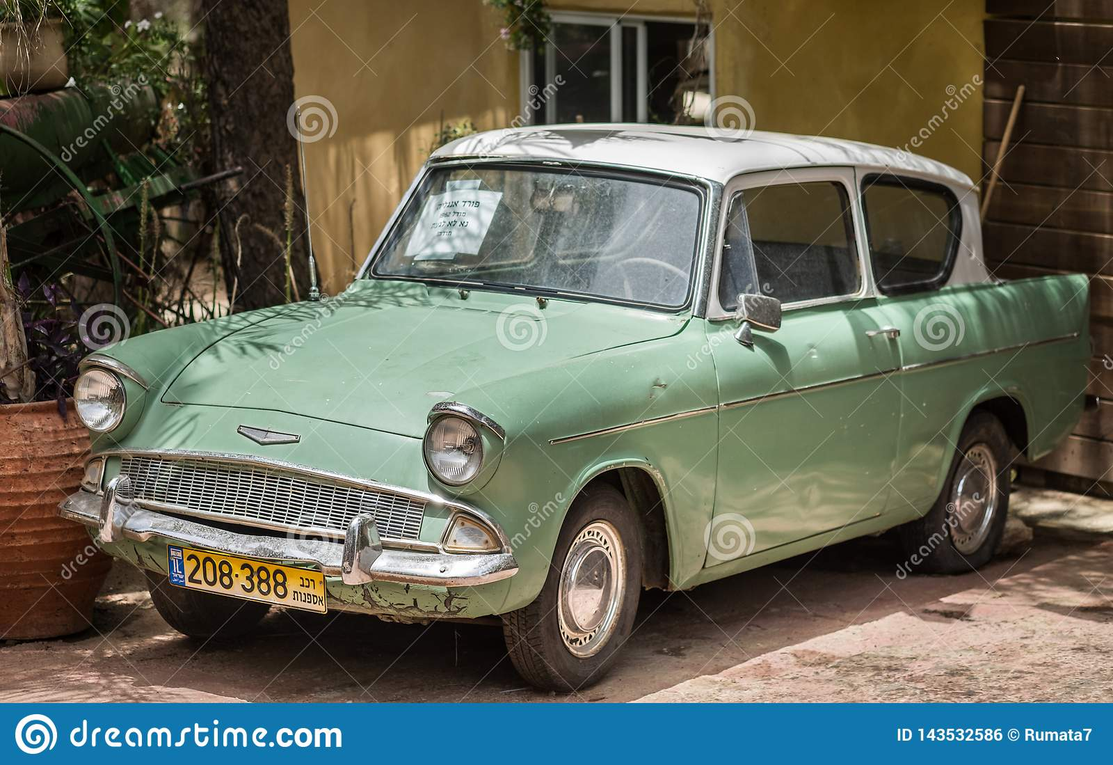 Tappning Ford Anglia 1962