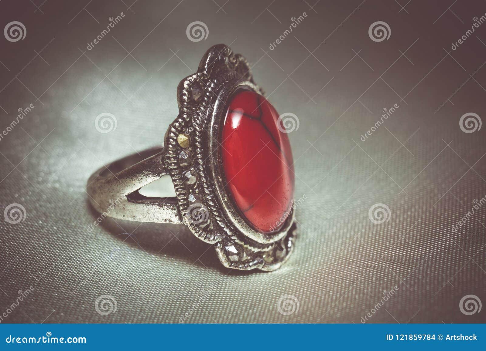 Tappningcirkel med röd turkos
