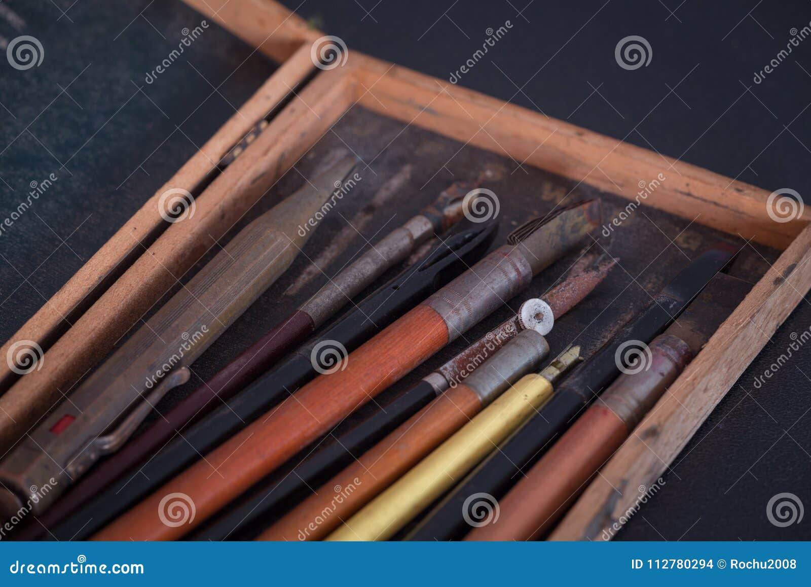Tappningskola, skissning och teckningstillbehör