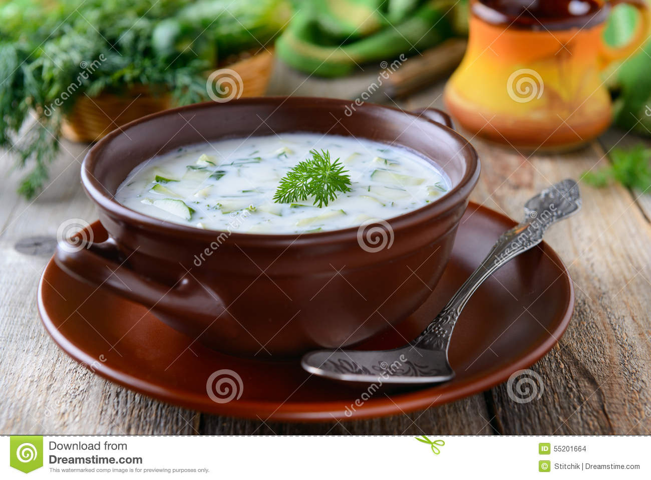 Tarator - traditional bulgarian summer cold soup with cucumbers, dill ...