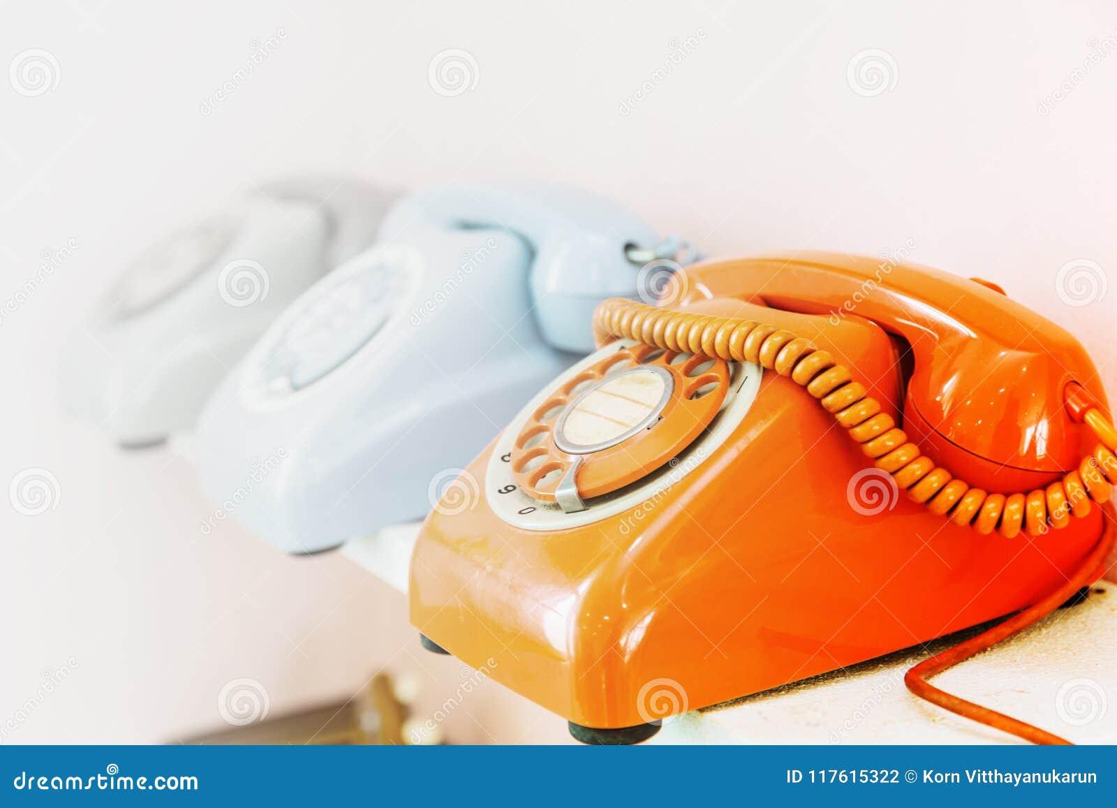 Tarcza telefonu rząd z przestrzenią dla dzwonić kontakt my
