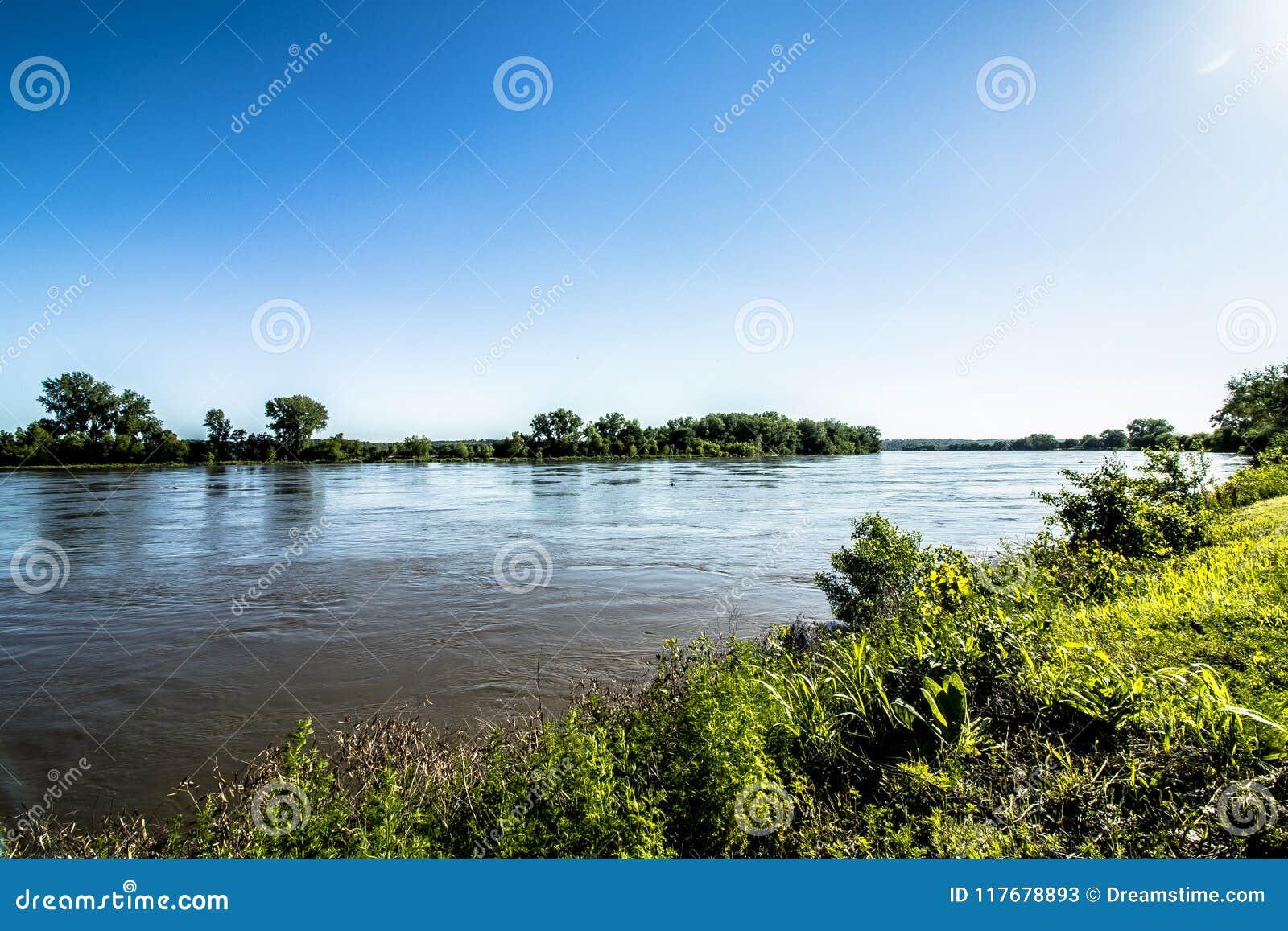 Tarde en el parque del río Missouri