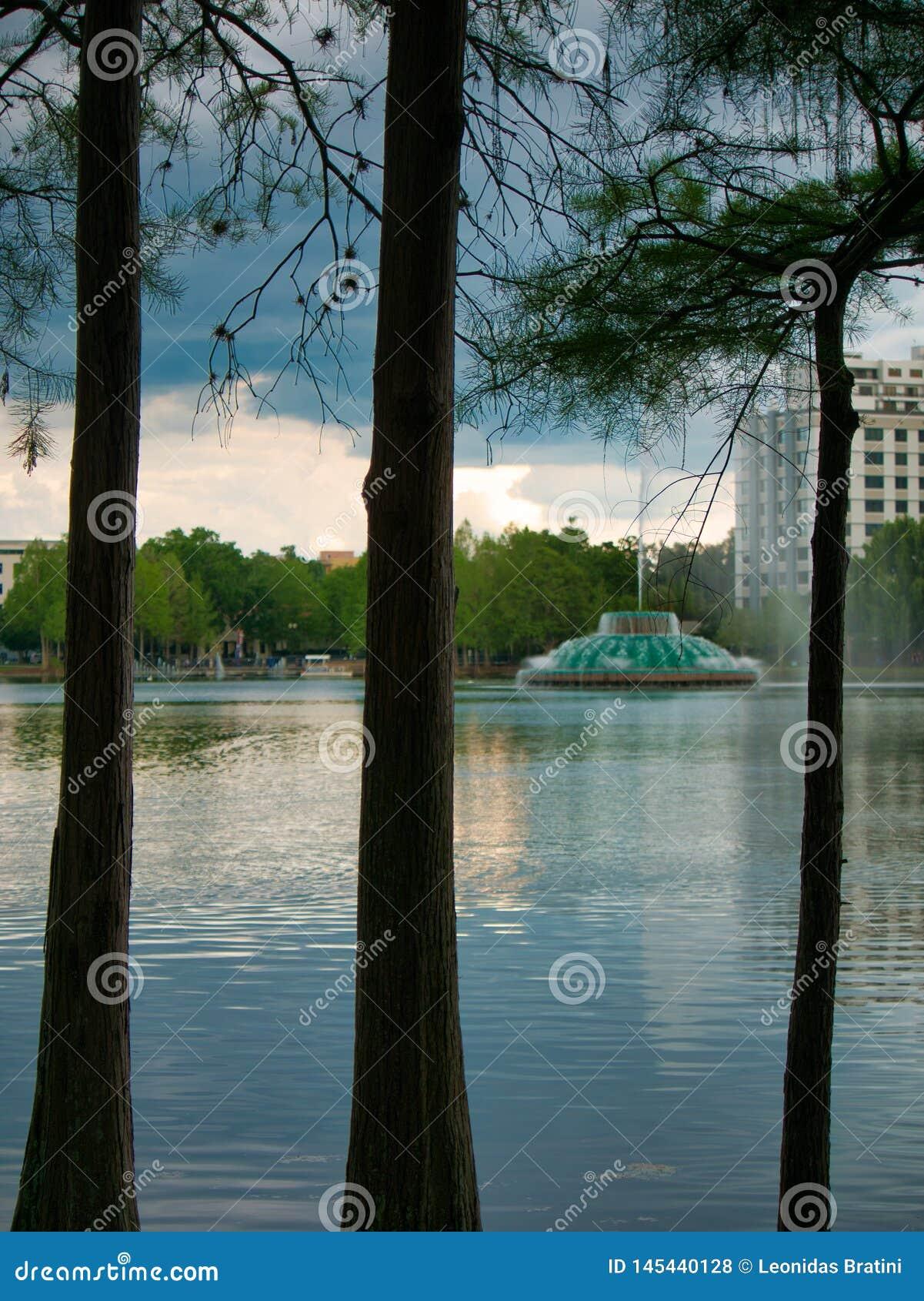 Tarde lindo em torno do lago