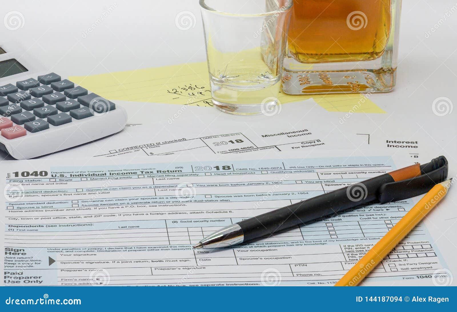 A tarefa ingrato, frustrante e comprimindo de preparar a declaração de rendimentos anual
