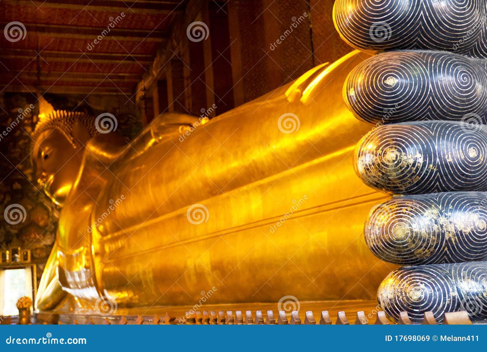 Target2289_0_ Thailand wat Buddha pho