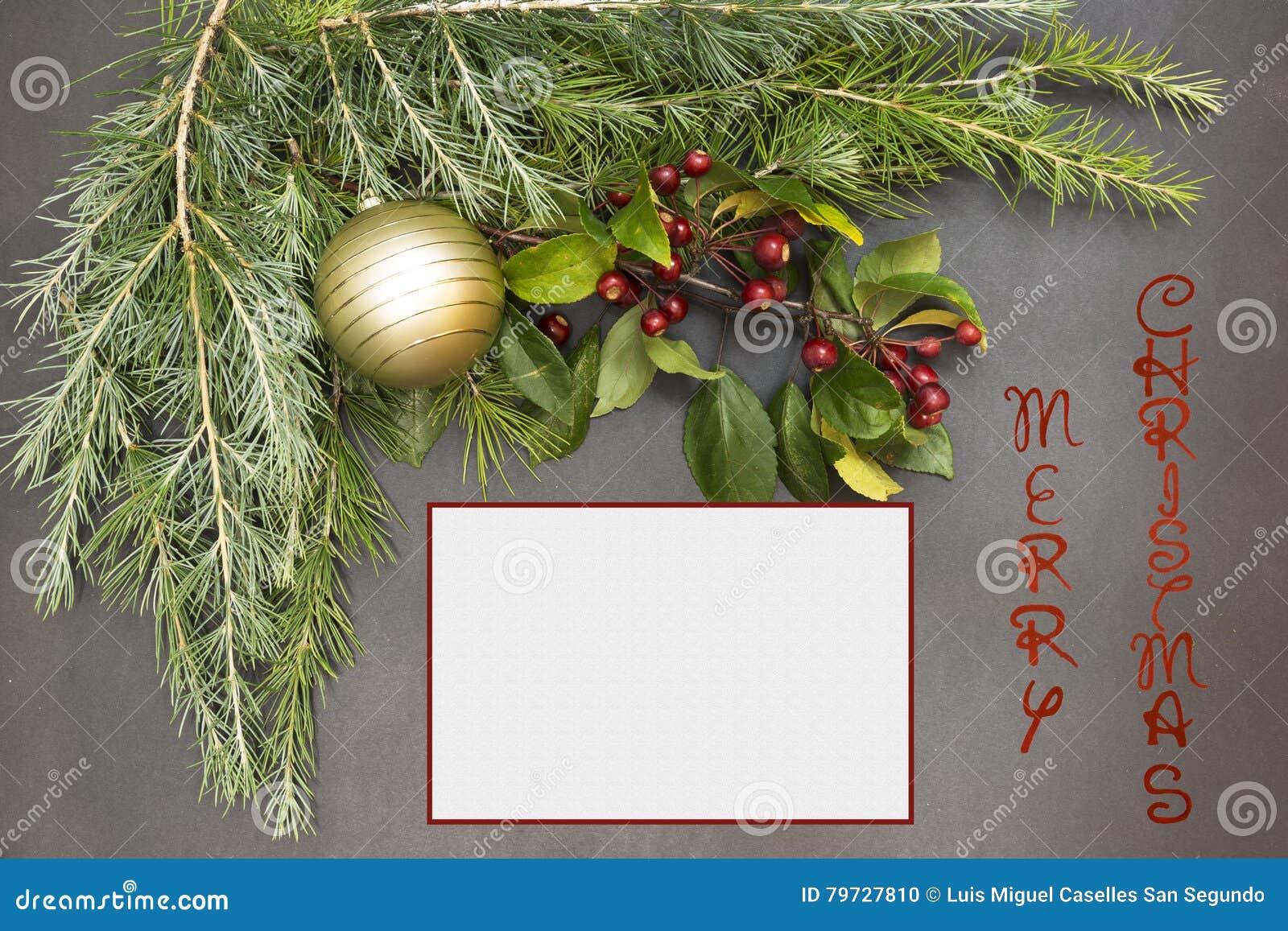 Tarjeta de felicitación con la decoración y el texto festivos - Feliz Navidad