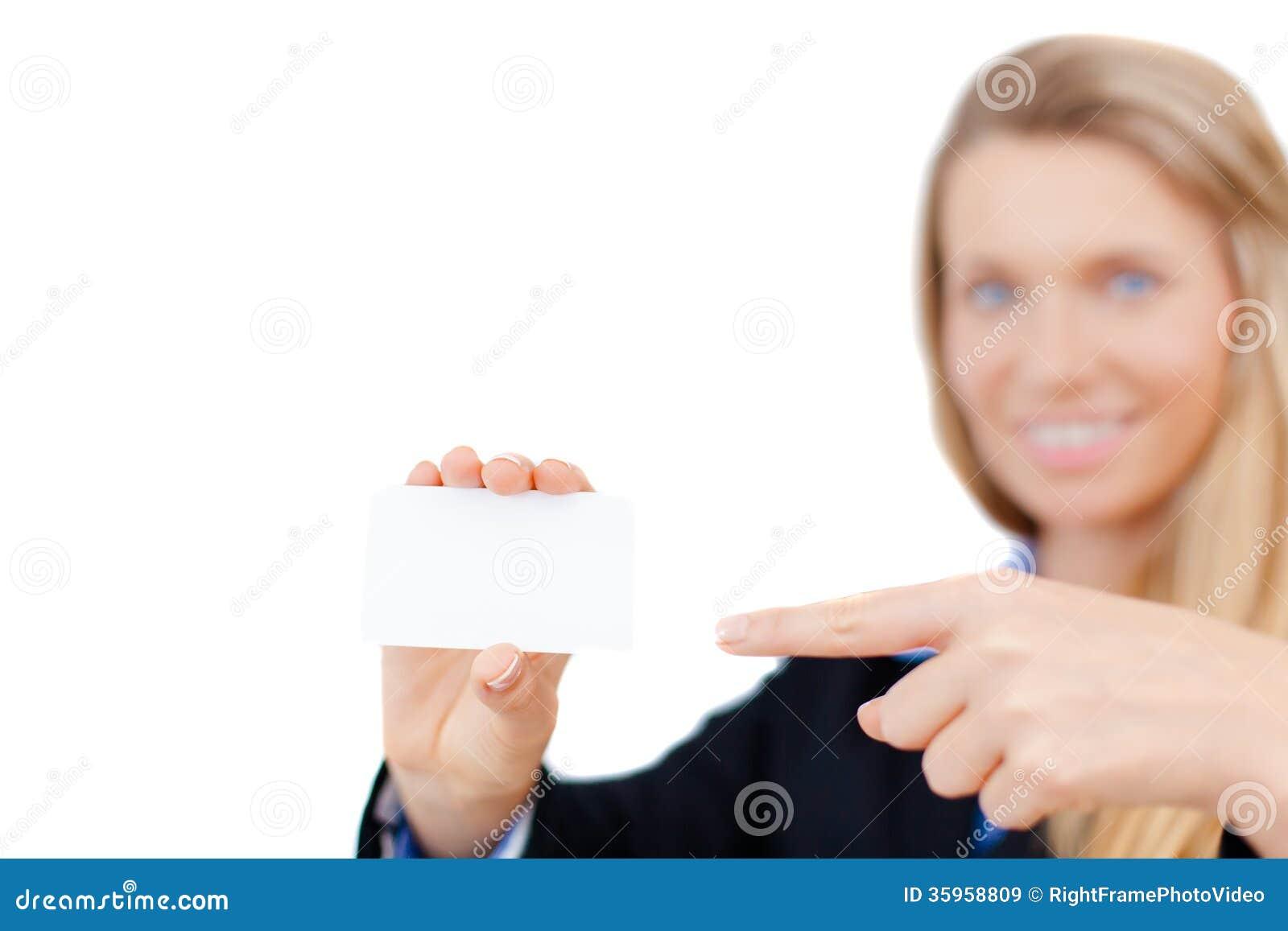 Tarjeta de visita en blanco en una mano