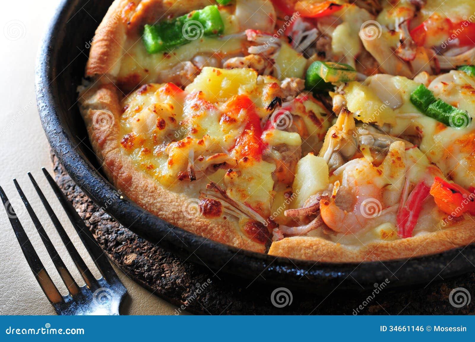 tarte de pizza de fruits de mer image libre de droits image 34661146. Black Bedroom Furniture Sets. Home Design Ideas