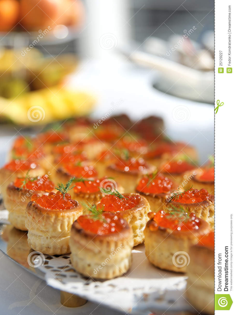Tartlets with caviar. How to cook tartlets with red caviar 86