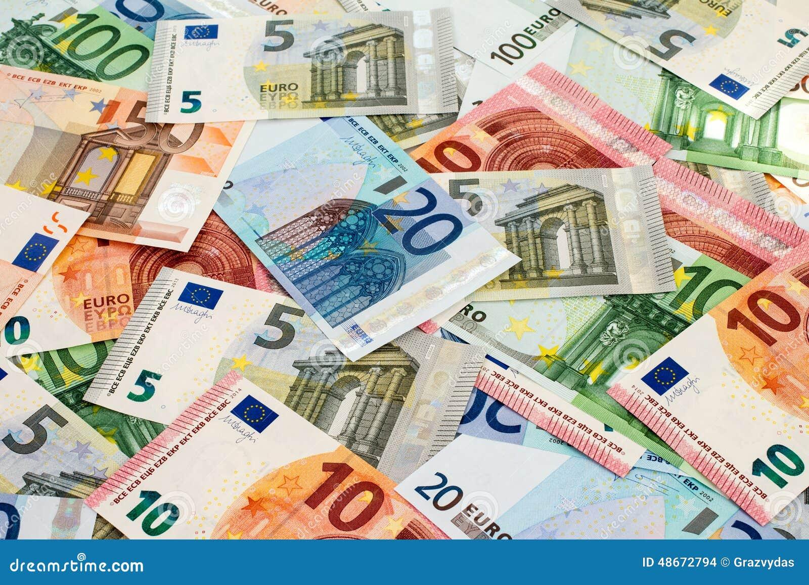 Tas de diff rents euro billets de banque photo stock for Wohnlandschaft 600 euro