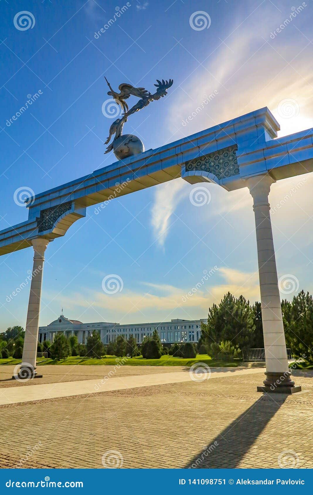 Tashkent Mustaqilliq Maidoni 10