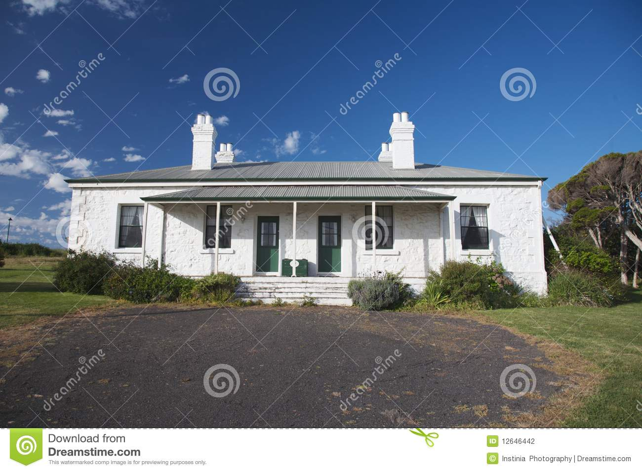 Tasmania house australia stock photography image 12646442 for Beach house designs tasmania