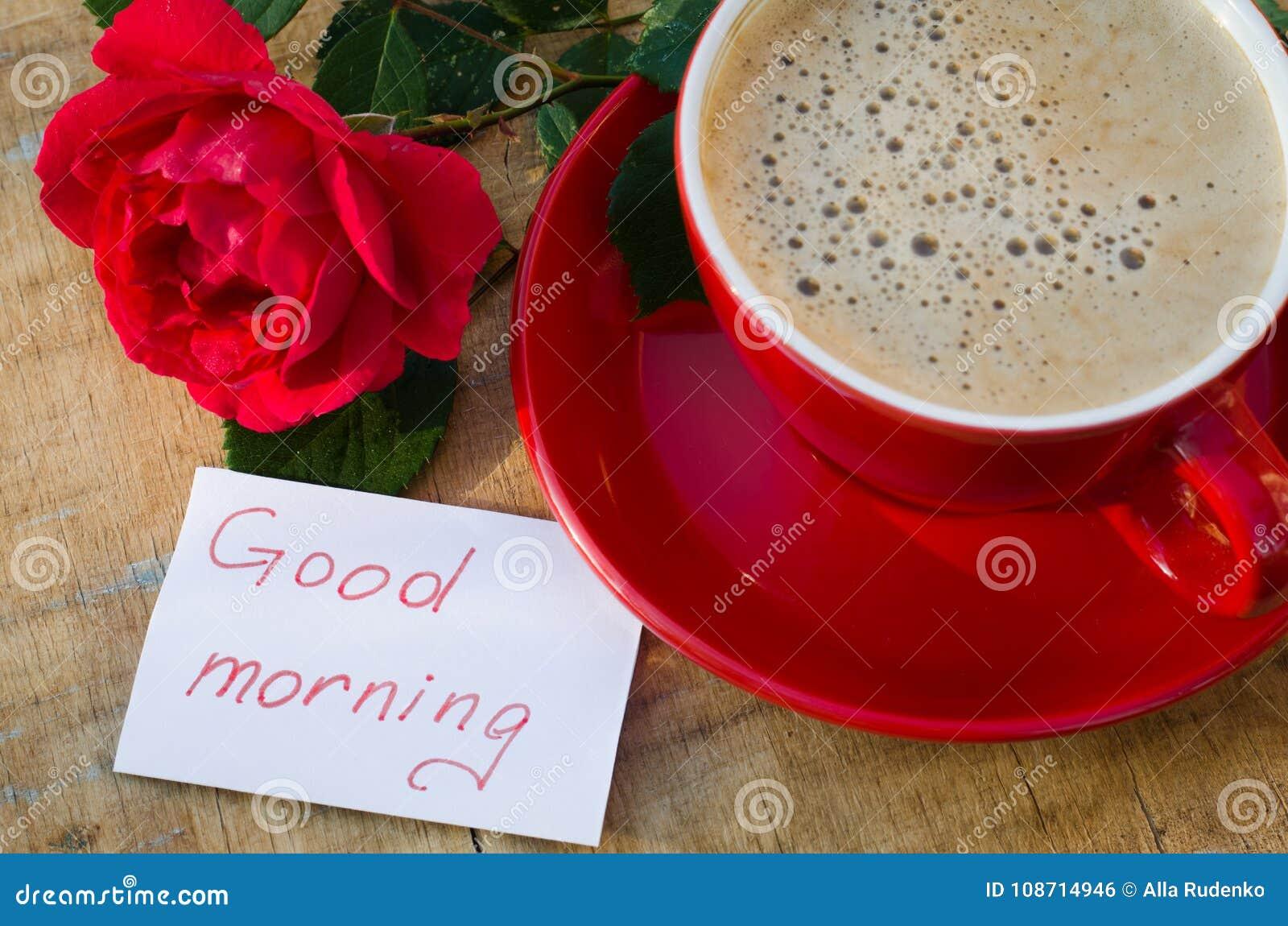 Tasse De Café Avec La Rose De Rouge Et Bonjour De Notes
