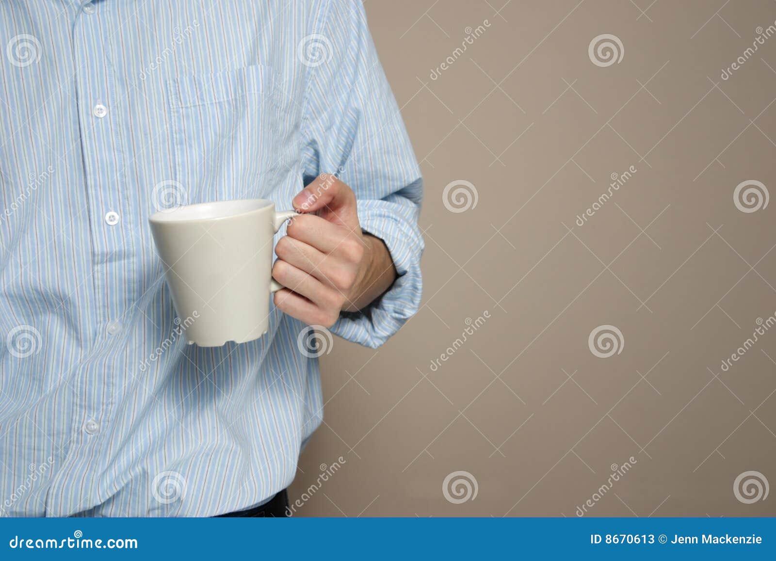 Tasse de café de fixation d homme