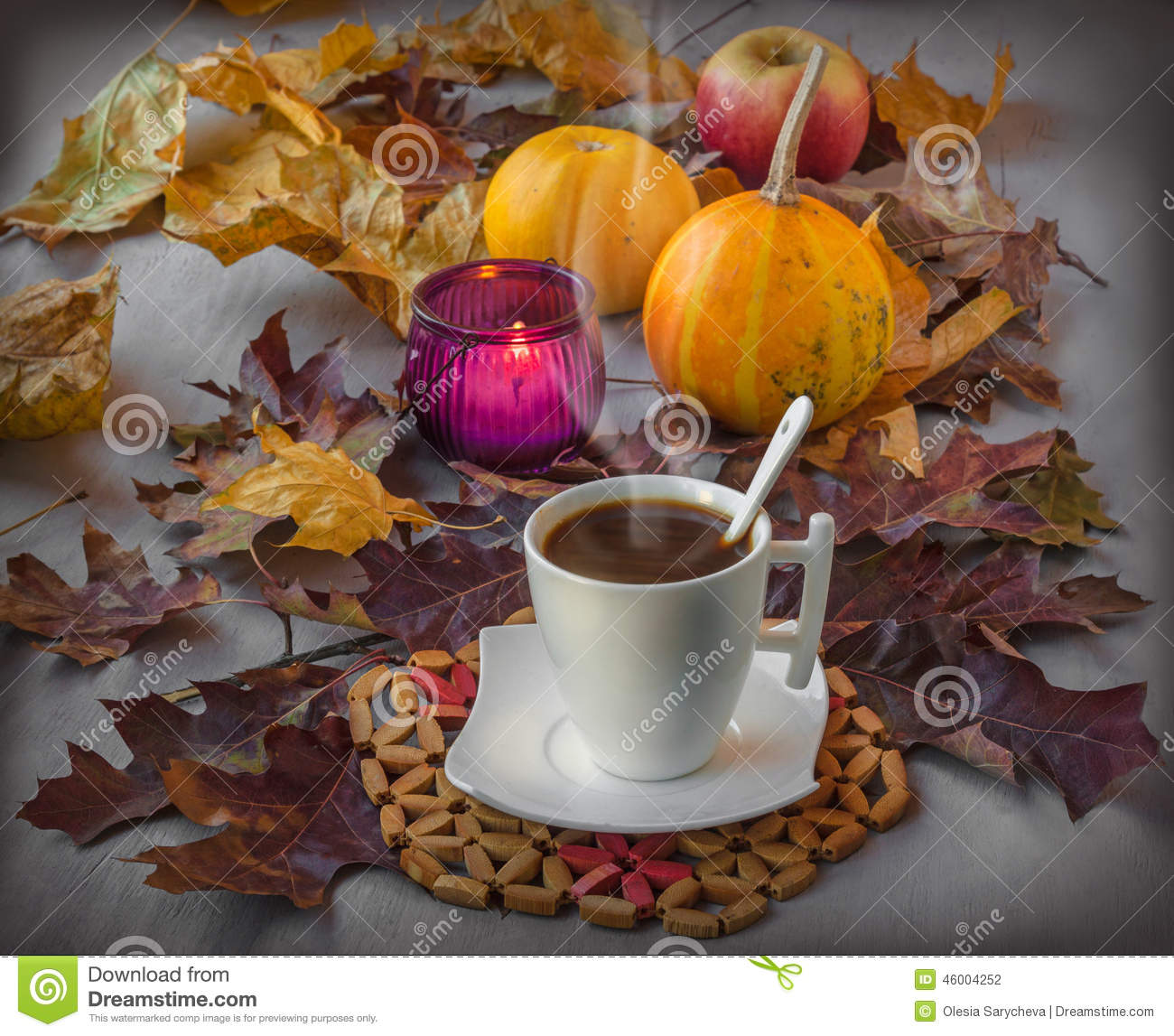 https://thumbs.dreamstime.com/z/tasse-de-caf-halloween-46004252.jpg