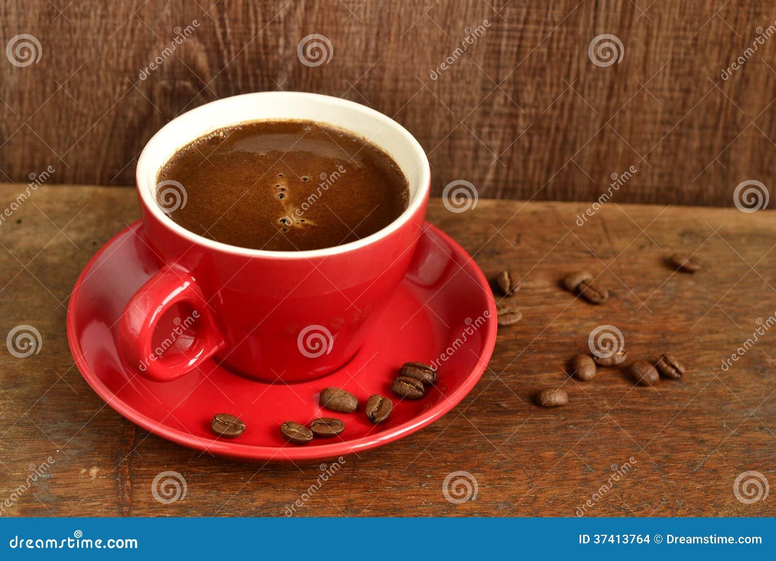 tasse de caf rouge images stock image 37413764. Black Bedroom Furniture Sets. Home Design Ideas