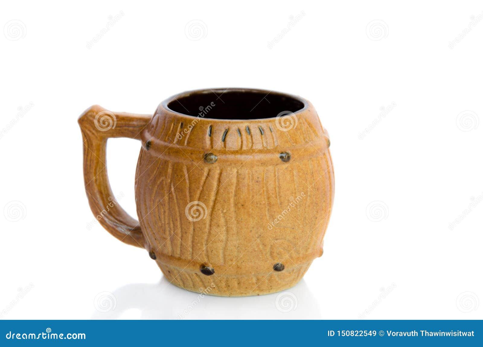 Tasse de thé de poterie de terre