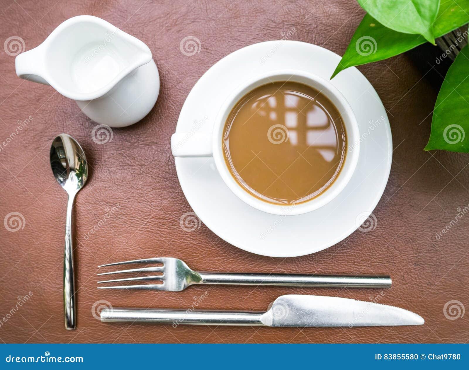 Fotos De Stock Chat9780: Tasse Kaffee Mit Kulinarischer Einrichtung Stockfoto