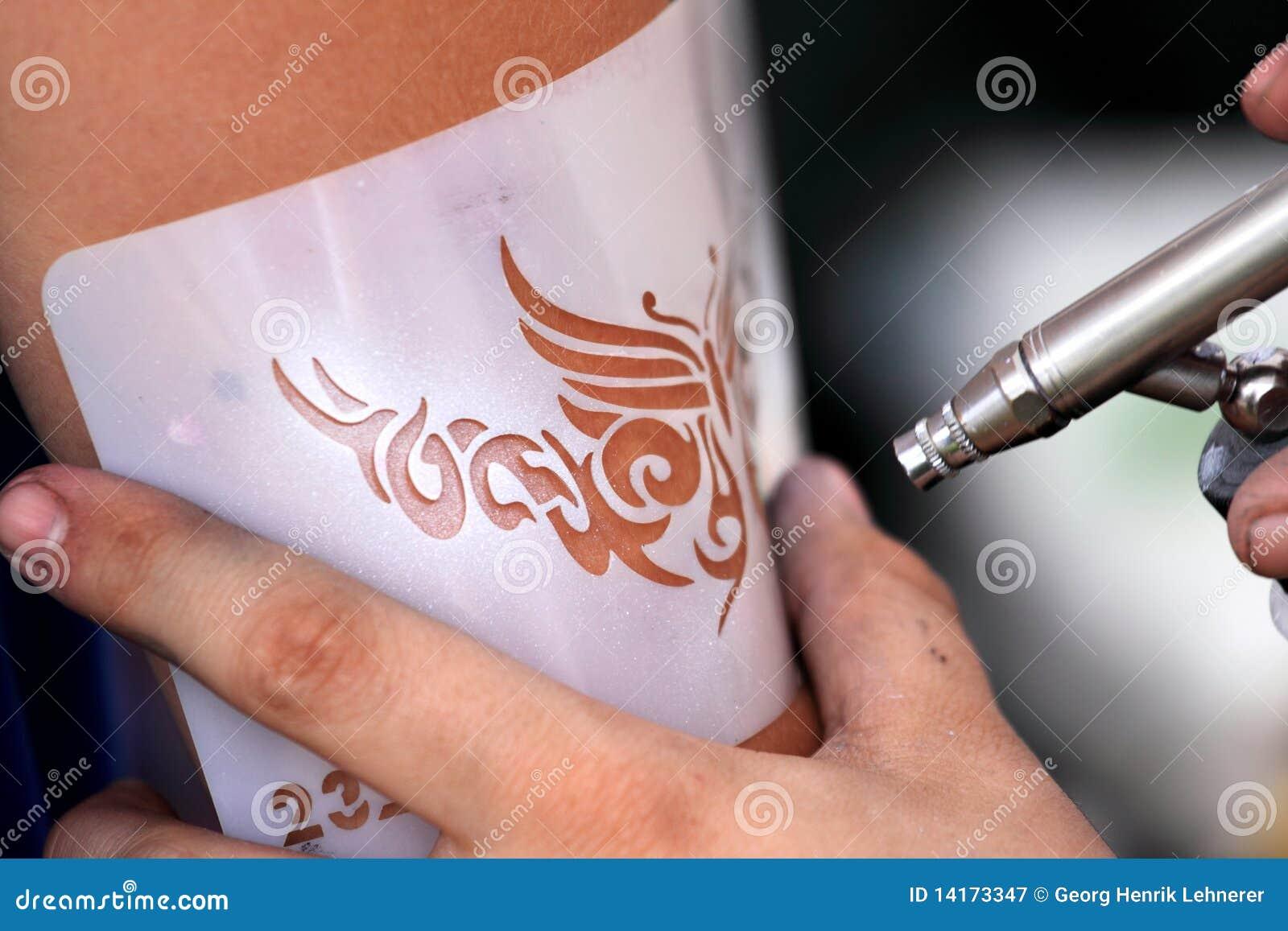 Tatouage de balai d air
