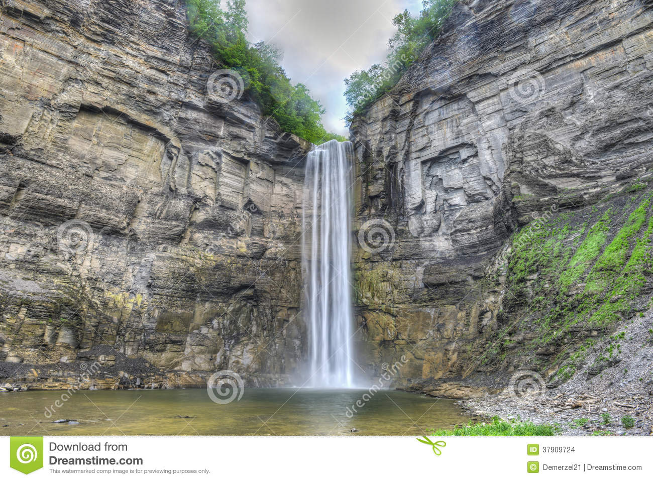 Taughannock Falls Ny Stock Images Image 37909724