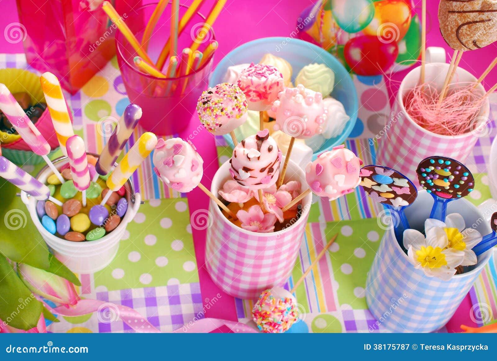 Decorare tavola compleanno bambini nq97 regardsdefemmes - Tavola periodica per bambini ...
