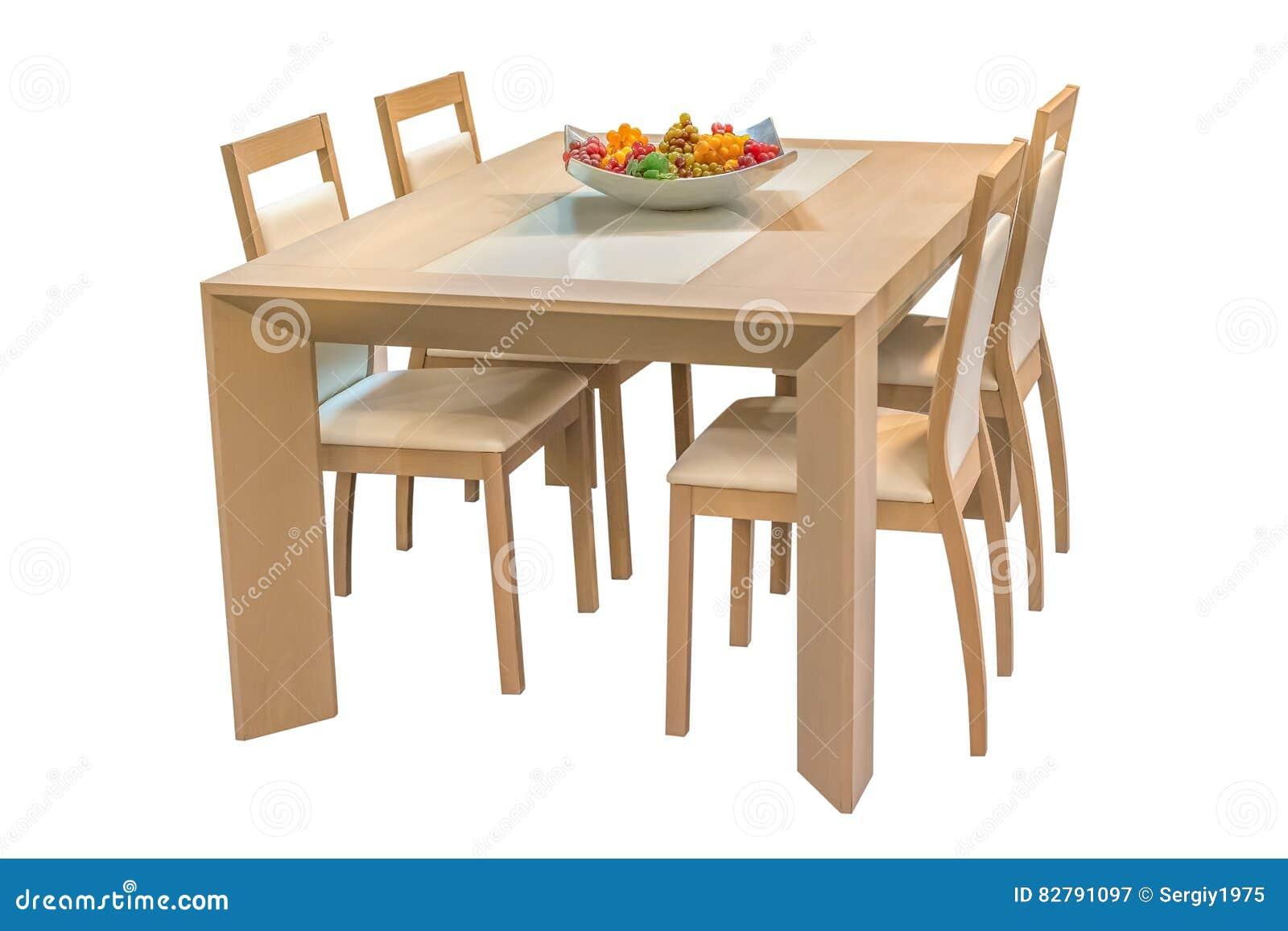 Sedie Bianche E Legno : Tavolo da pranzo di legno e sedie isolati su fondo bianco immagine
