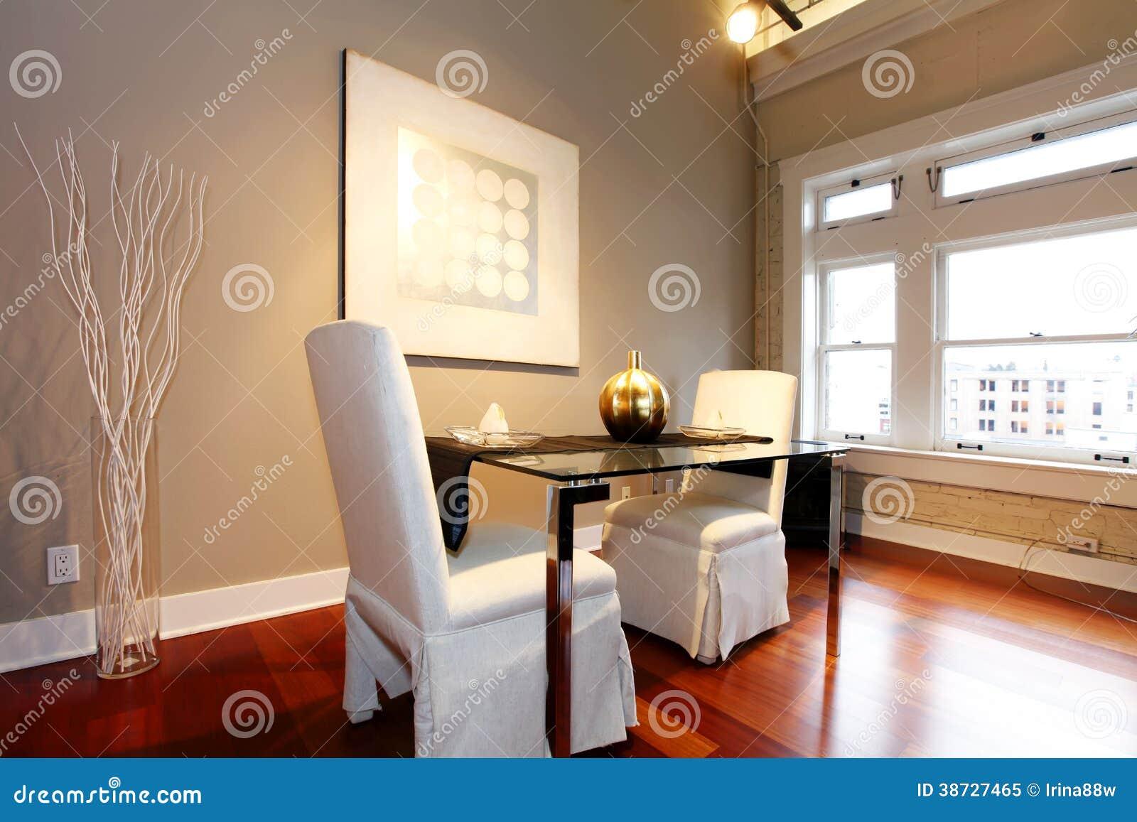 Fotografia Stock Libera Da Diritti: Tavolo Da Pranzo Elegante Messo In  #B24918 1300 957 Ikea Tavolo Ad Angolo