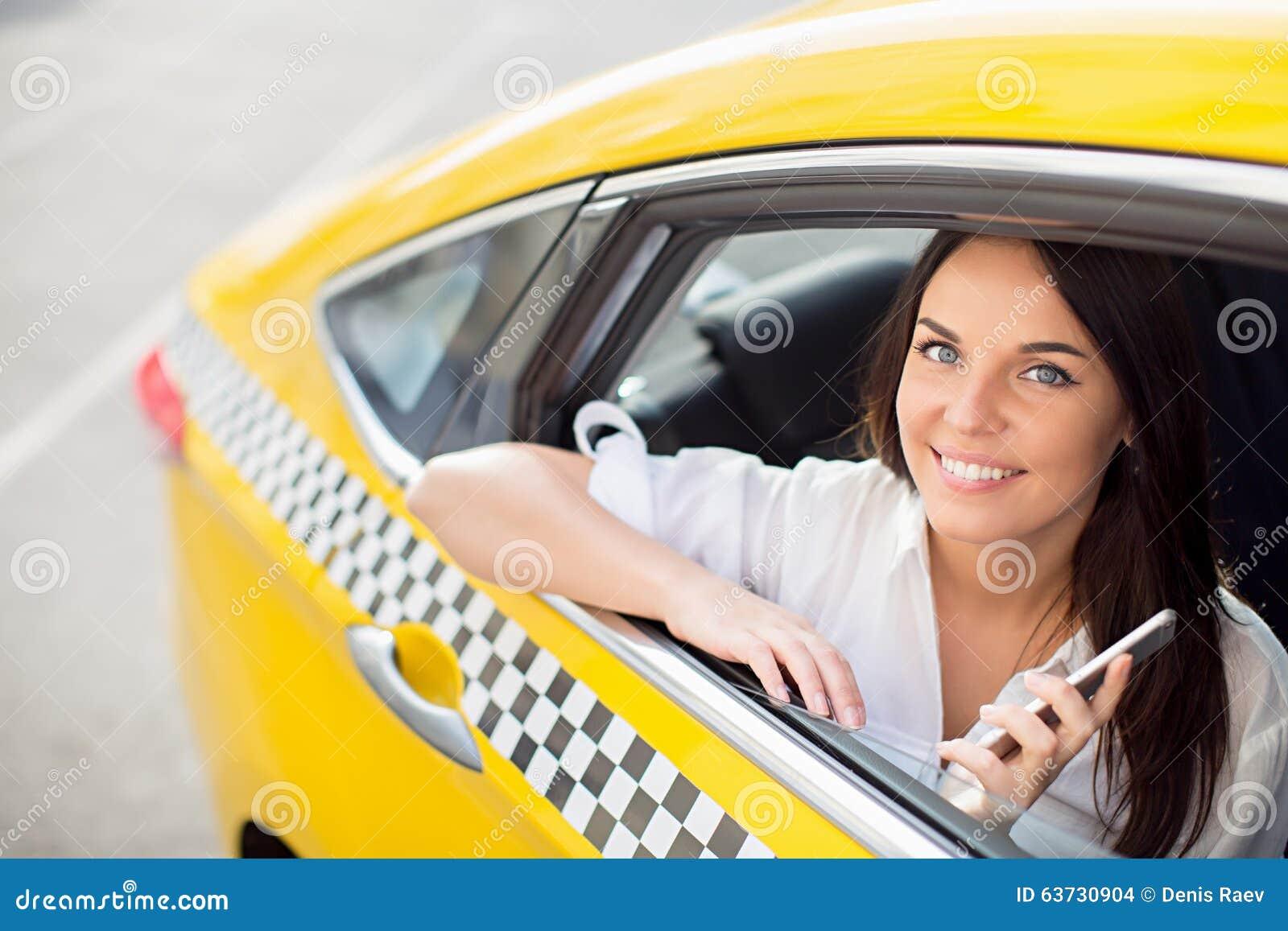 Сосущие телки в такси, После вечера с подружками тёлочка заказывает такси 26 фотография