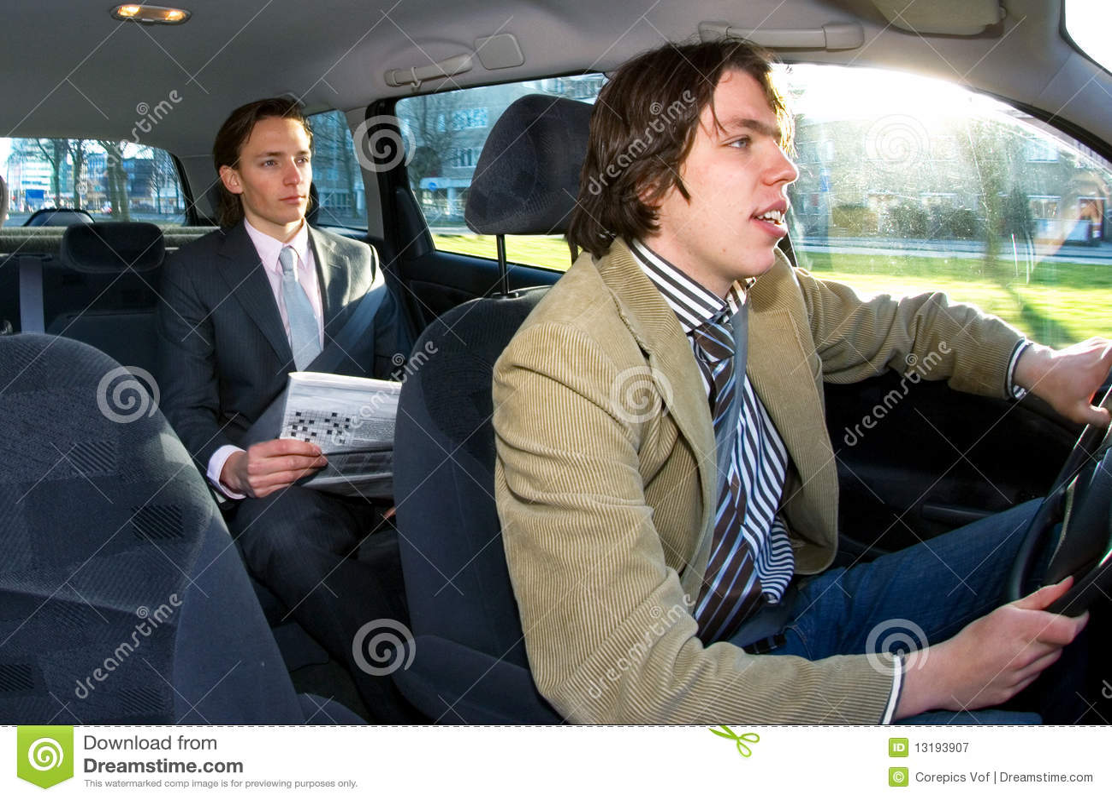 Таксист трахает девочек 10 фотография