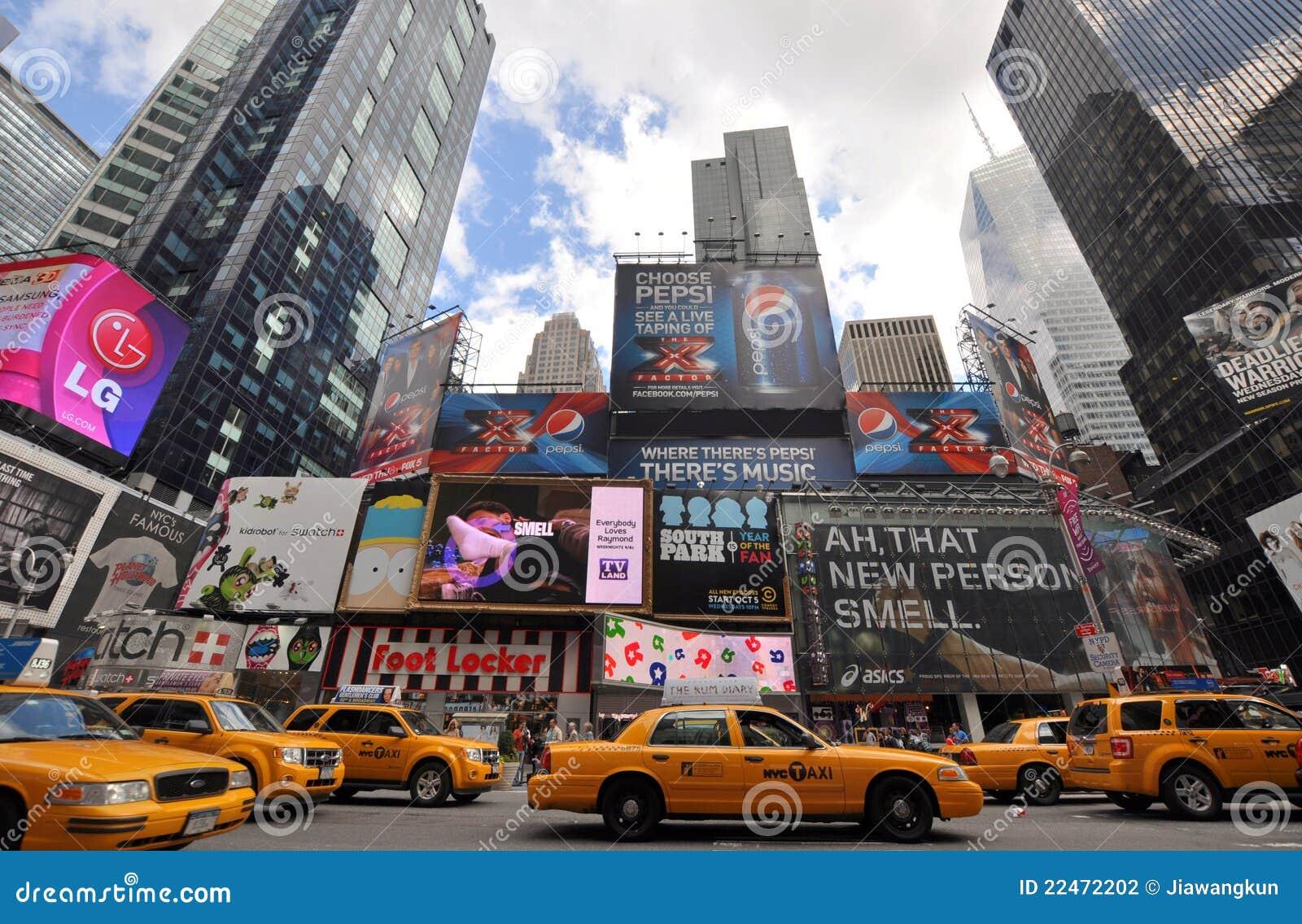 taxi jaune dans le times square new york city photographie ditorial image 22472202. Black Bedroom Furniture Sets. Home Design Ideas