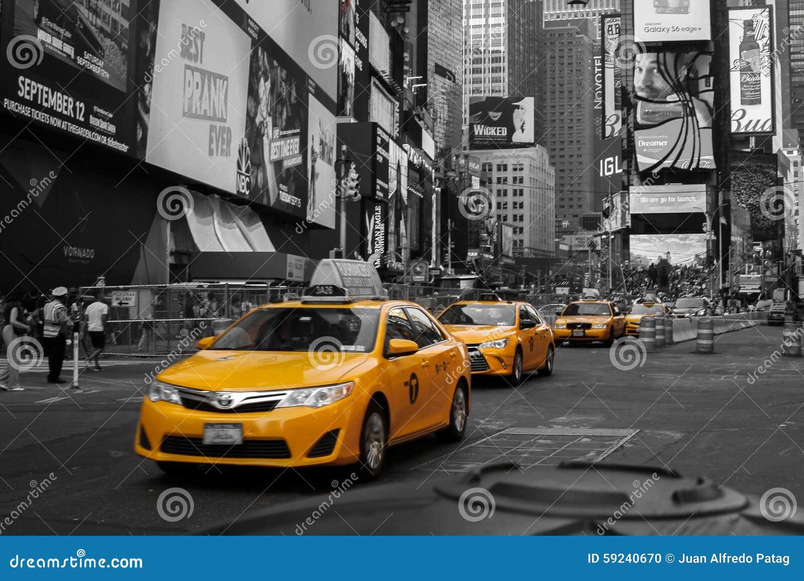 Download Taxis Amarillos En El Times Square, Nueva York Imagen editorial - Imagen de nuevo, york: 59240670