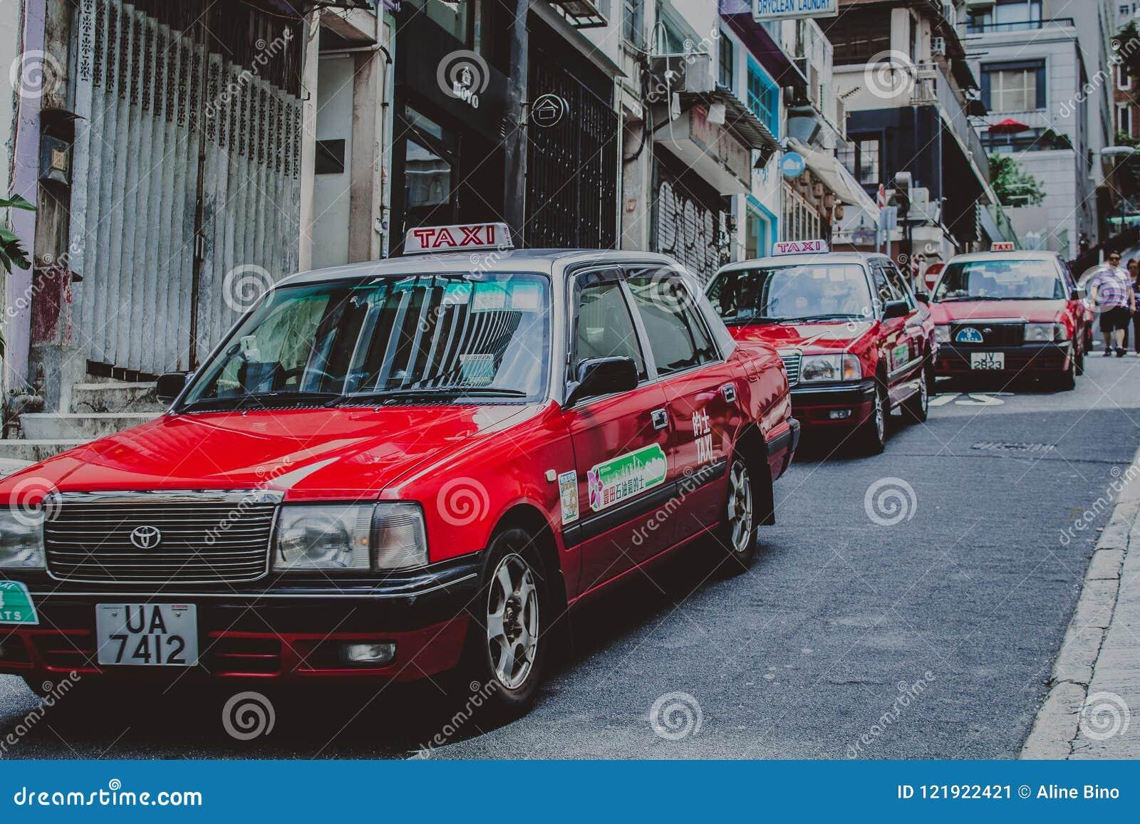 Taxis sur la rue en Hong Kong