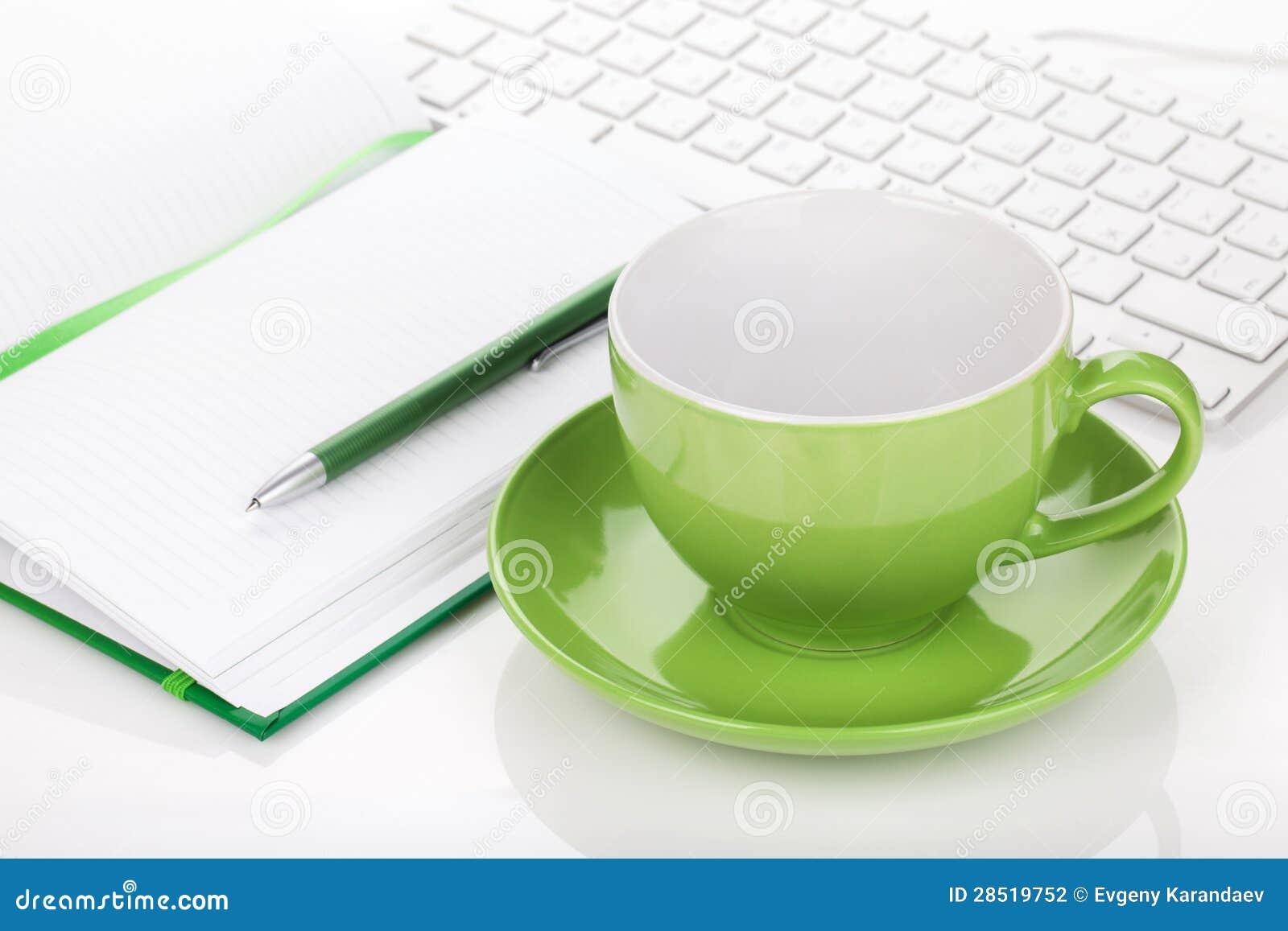 Taza y materiales de oficina de café