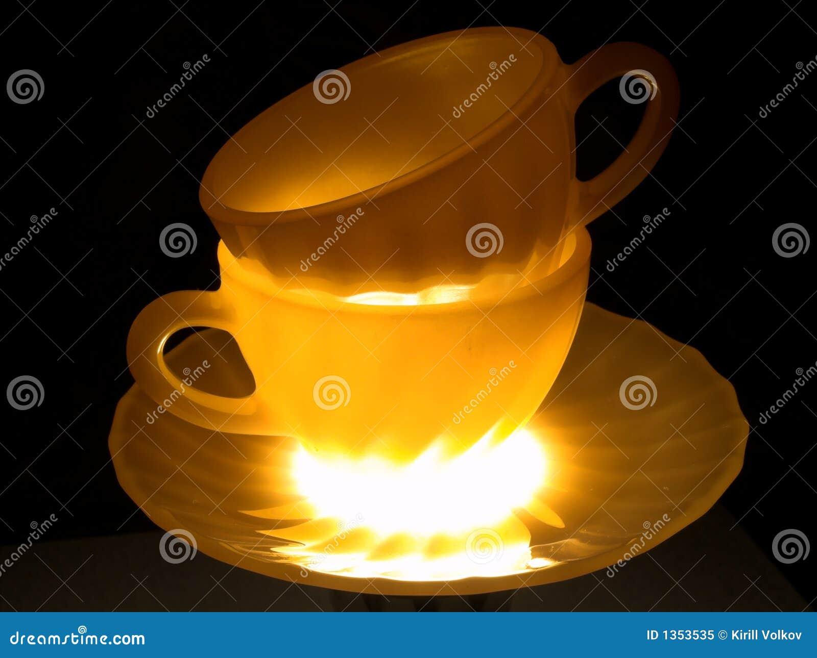 Taza y placa dobles del brillo