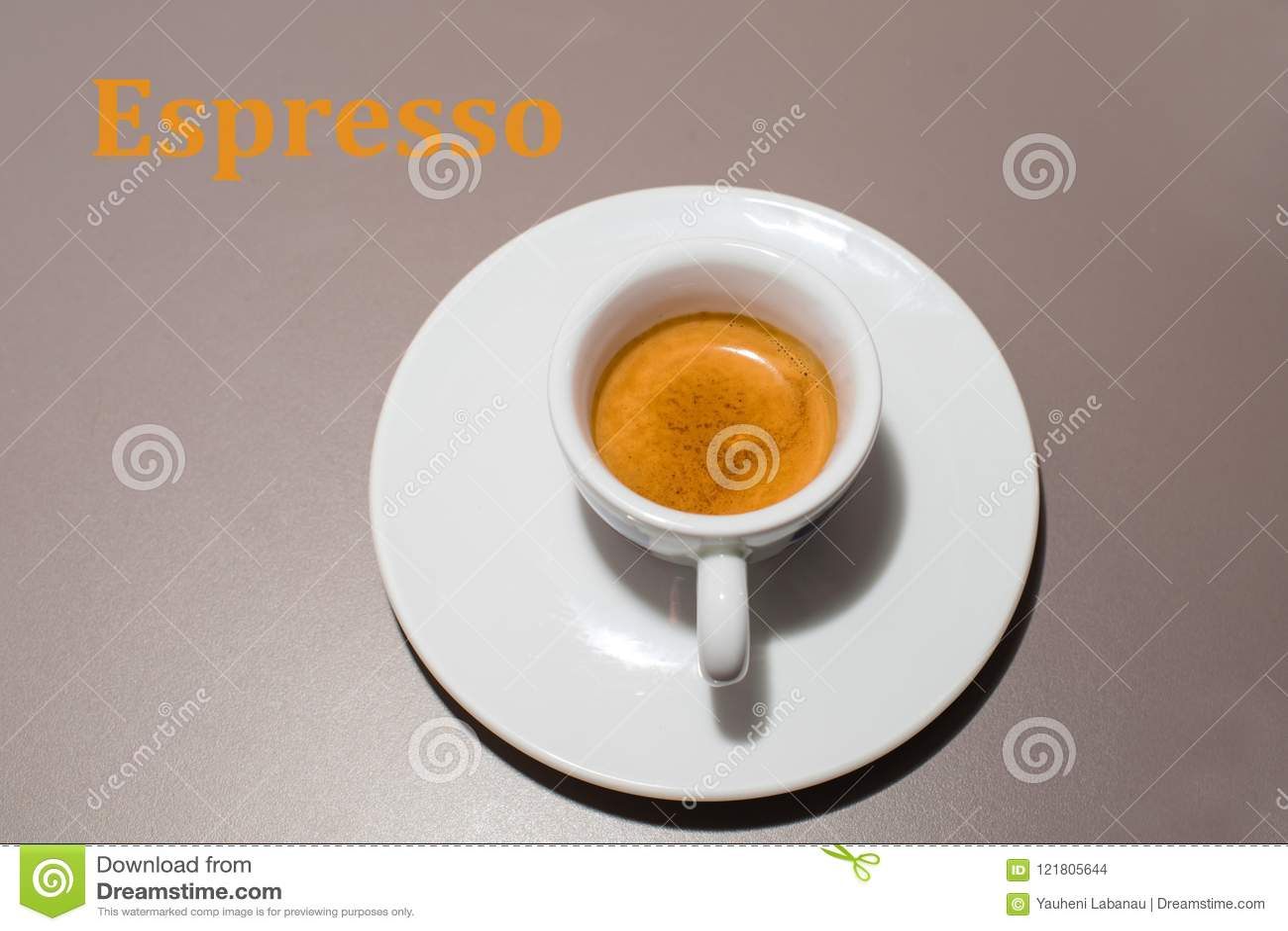 Tazza con il caffè espresso del caffè
