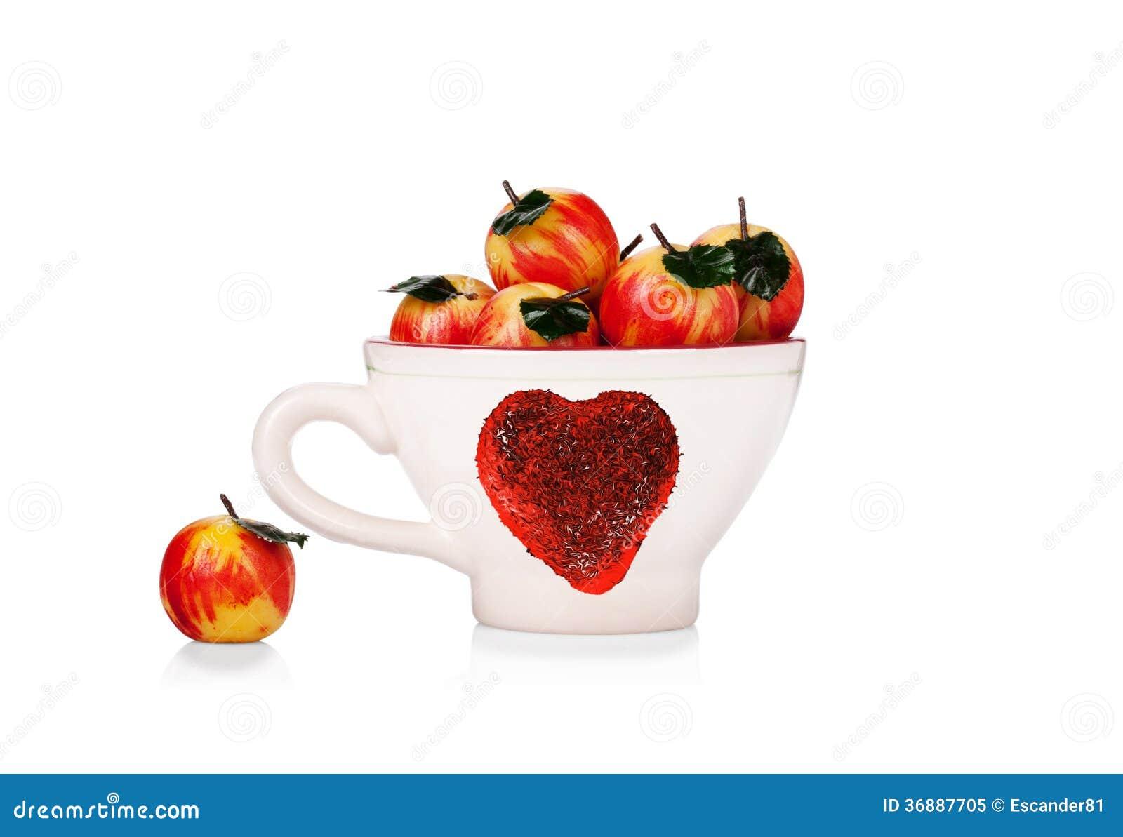 Download Tazza Con Il Simbolo Di St.Valentine E Mele Del Marzapane Isolate Immagine Stock - Immagine di confezione, squisito: 36887705