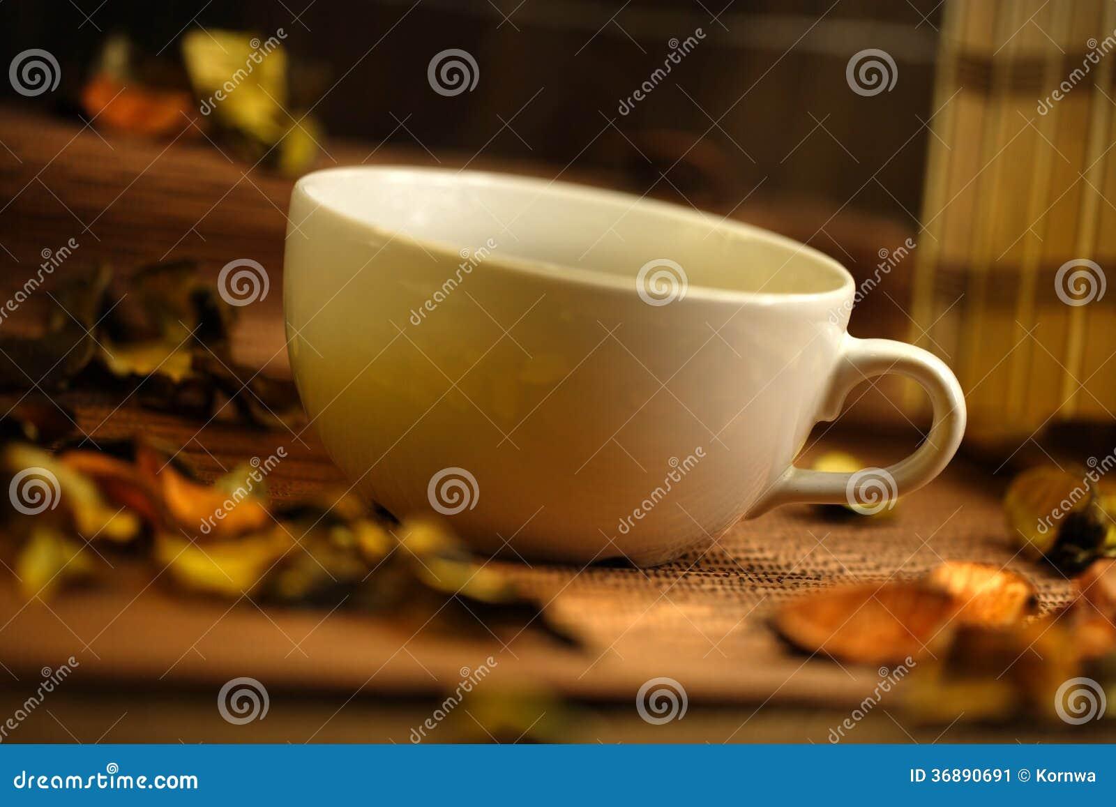 Download Tazza delle erbe immagine stock. Immagine di menta, dolce - 36890691