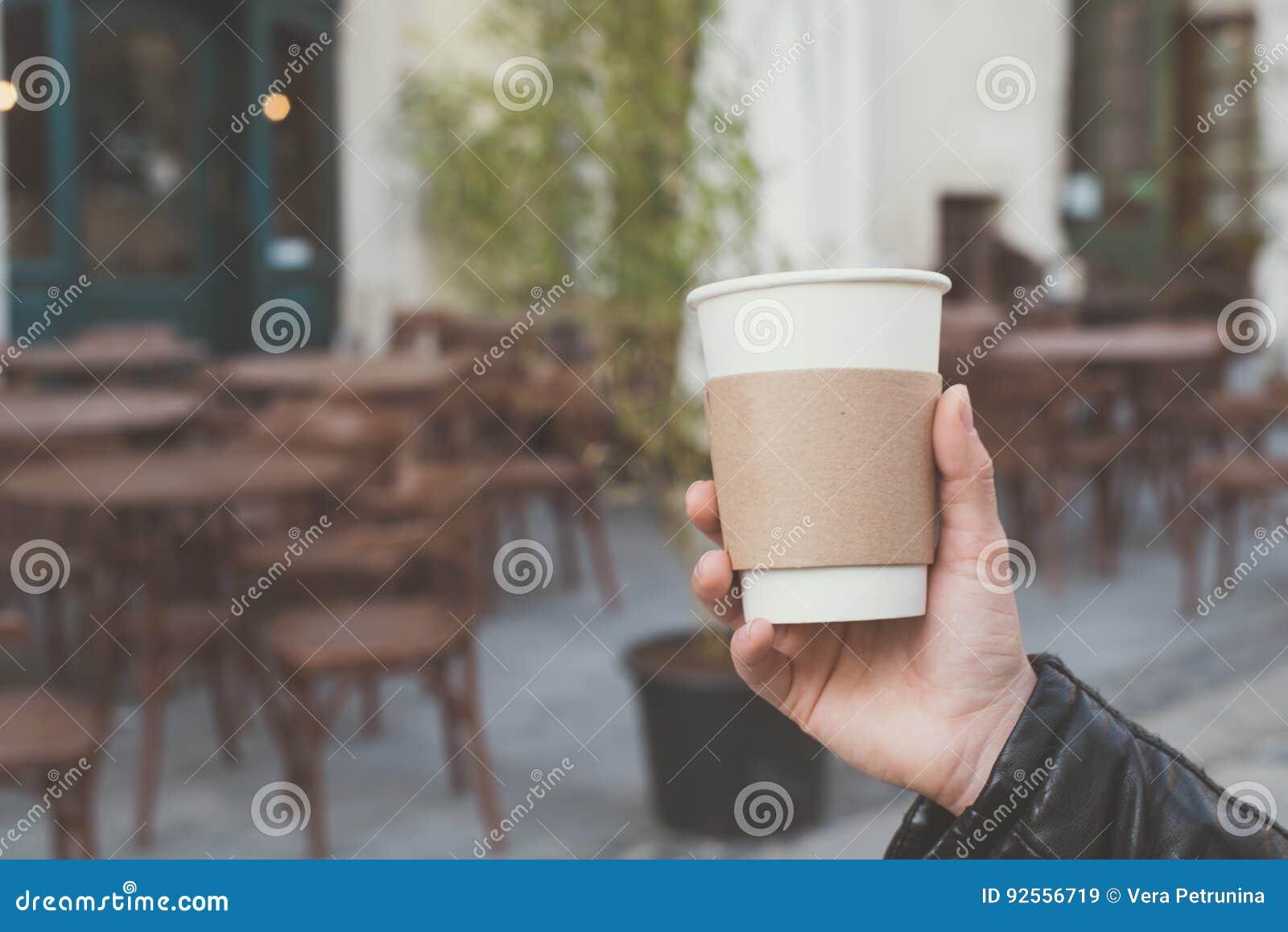 Tazza di caffè a disposizione