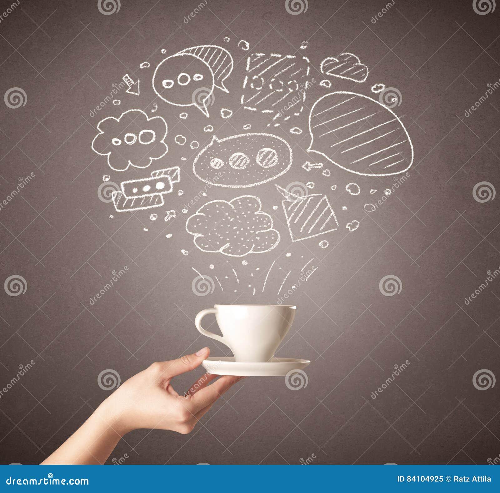 Tazza di caffè femminile della tenuta della mano