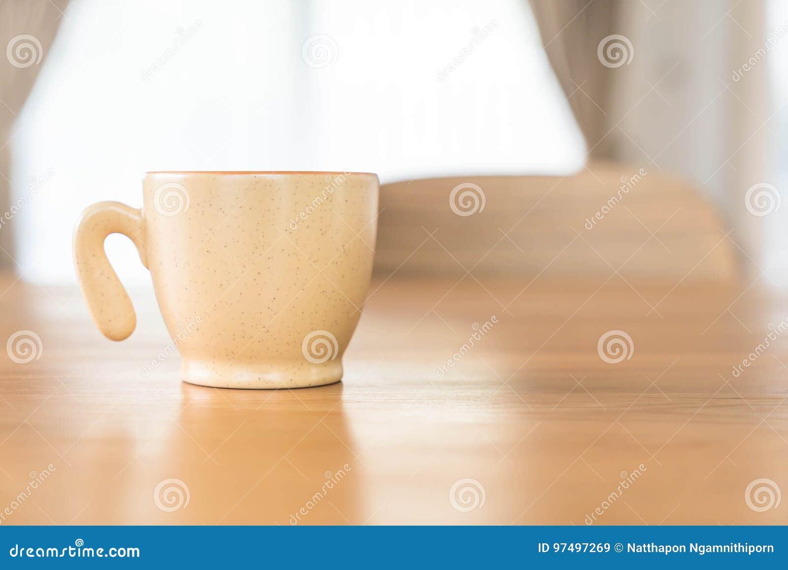 Tazza di caffè sulla tabella