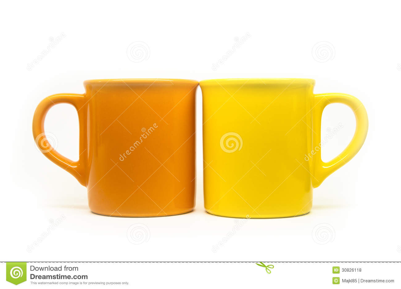 Tazze arancio e gialle isolate