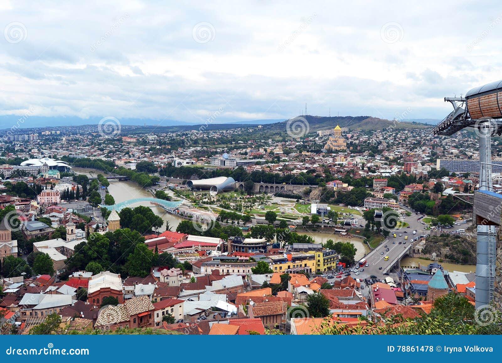 Tbilisi de la colline