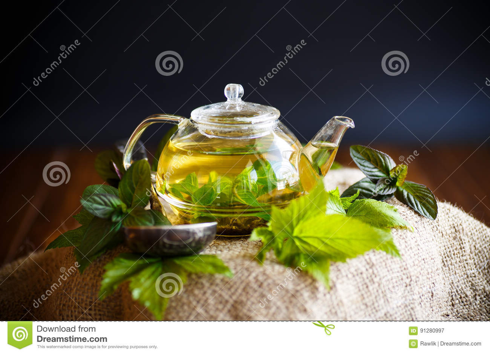 Te med vinbärsidor