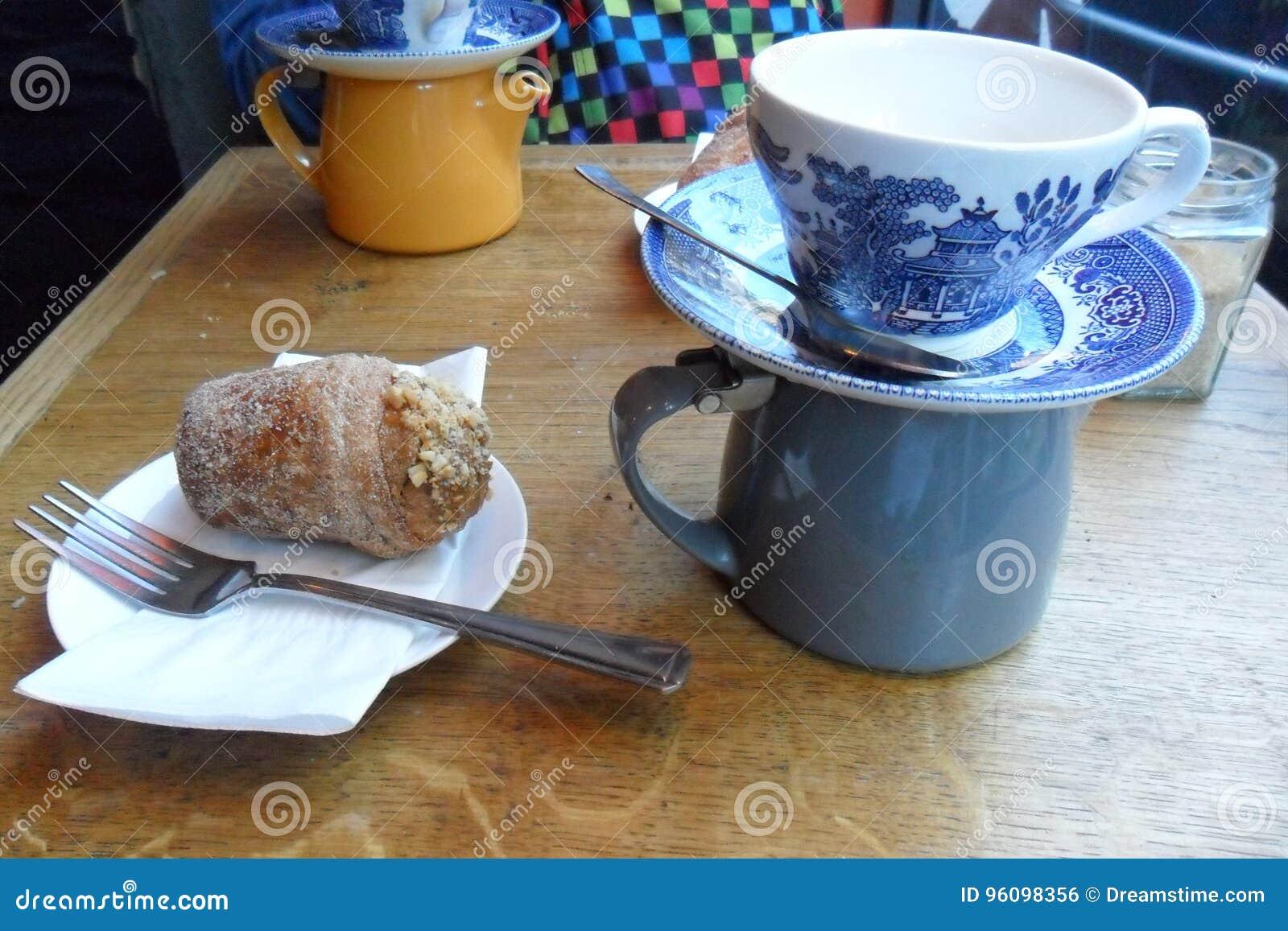 Tea and cruffin in London
